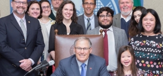 Food Lifeline staff and WA Governor Inslee